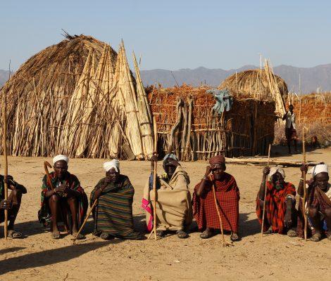 foto tribu local