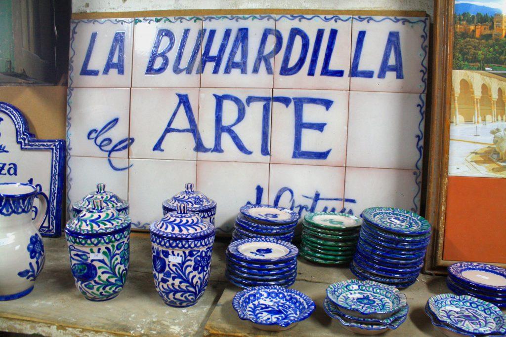 Fajalauza-cerámica-granadina-por-@viajareslou-viajar-eslou-turismo-responsable