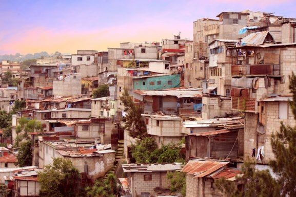 Turismo de favela: debate entre atracción turística y turismo comunitario